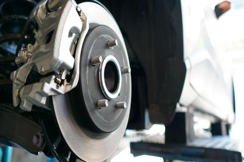 síntomas desgaste frenos de tu coche